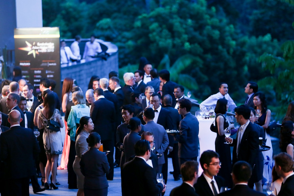 picture of the cocktail reception at the Eurekahedge Asian Hedge Fund Awards 2015